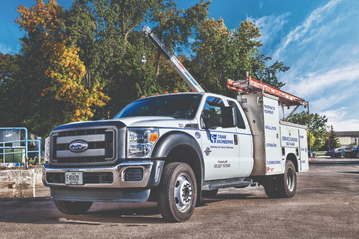 side-view-of-crane-service-truck